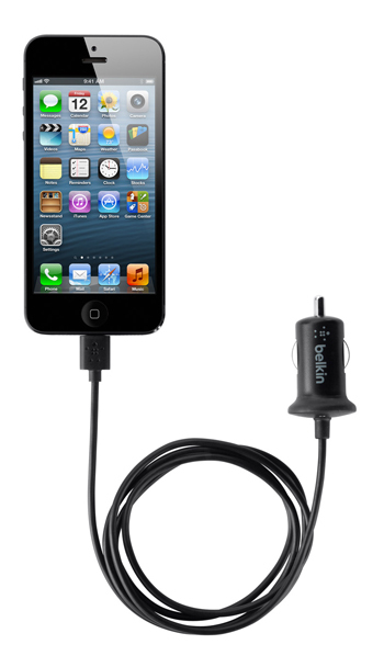 belkin annonce la sortie d 39 un dock et un chargeur voiture iphone 5 iphonejailbreak. Black Bedroom Furniture Sets. Home Design Ideas